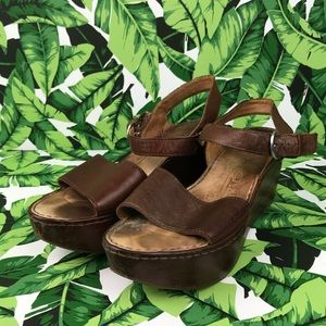 5 for $25 Born Brown Leather Flatform Wedges